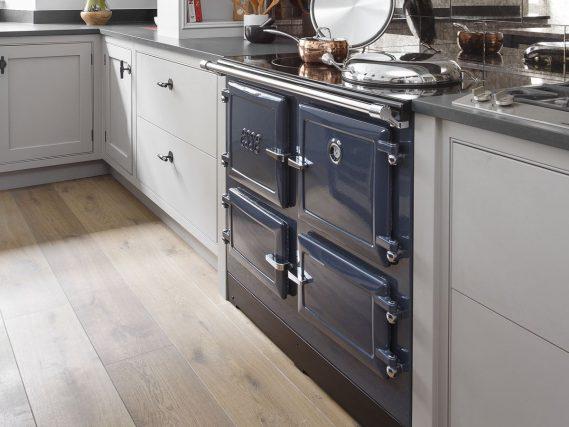 esse-990-el-blue-kitchen-angled-569x427